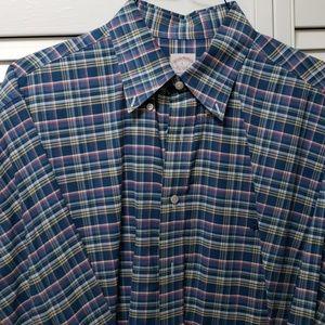 Long sleeve button down collar shirt